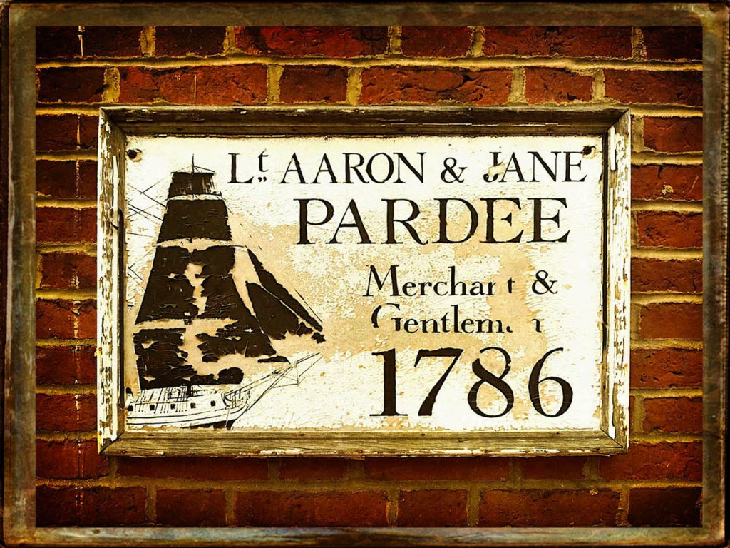 Plaque at 38 Federal Street, Newburyport, Aaron Pardee and Jane M. Pardee